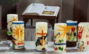 Kerzen auf einem Altar